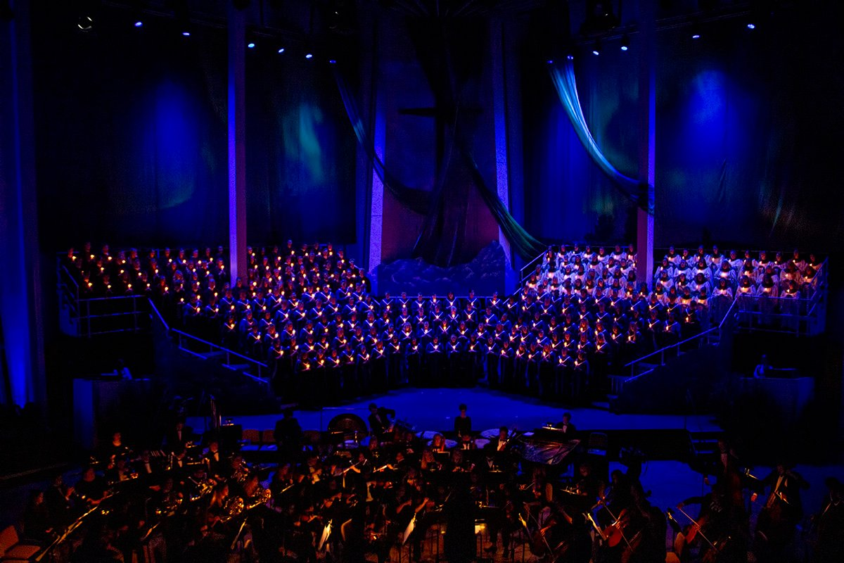 gustavus choirs and candles highlights